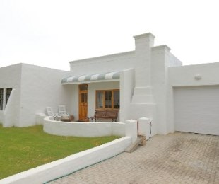 R 2,095,000 - 2 Bed House For Sale in Palmiet