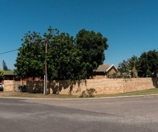 R 3,495,000 - 6 Bed Property For Sale in Hartenbos