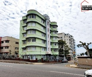 R 1,100,000 - 2 Bed Flat For Sale in Essenwood