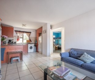 R 1,250,000 - 2 Bed Apartment For Sale in Burgundy Estate