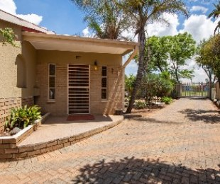 R 1,175,000 - 3 Bed Property For Sale in Witpoortjie