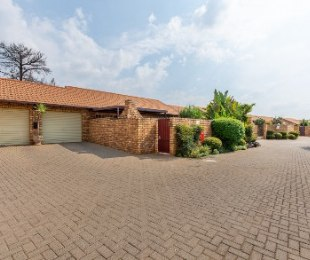 R 1,099,000 - 2 Bed Property For Sale in Centurion