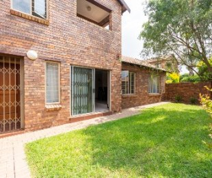 R 1,440,000 - 3 Bed House For Sale in Sundowner