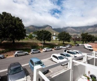 R 1,890,000 - 1 Bed Flat For Sale in Gardens