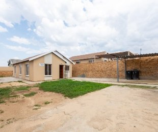 R 830,000 - 3 Bed House For Sale in Zandspruit