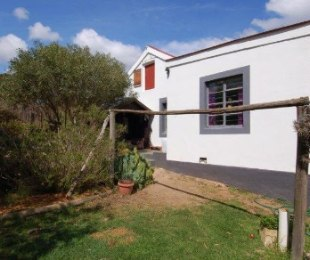 R 795,000 - 2 Bed Home For Sale in Napier