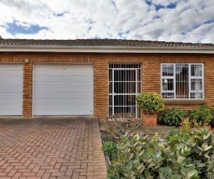 R 2,195,000 - 3 Bed House For Sale in Durbanville Central