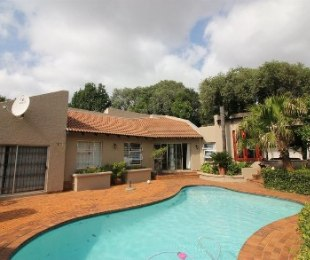 R 1,695,000 - 3 Bed House For Sale in Sharonlea