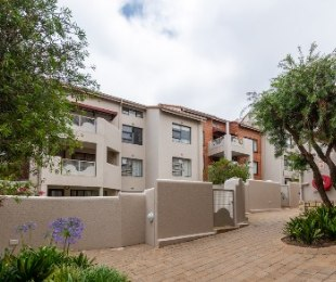 R 1,385,000 - 4 Bed Apartment For Sale in Morningside