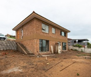R 2,120,000 - 3 Bed House For Sale in Reebok