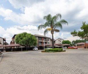 R 695,000 - 2 Bed Apartment For Sale in North Riding