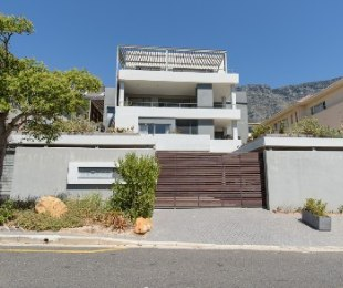R 38,000 - 3 Bed Flat To Rent in Vredehoek