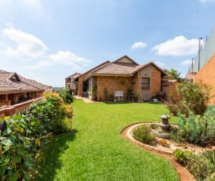 R 1,690,000 - 3 Bed House For Sale in Homes Haven