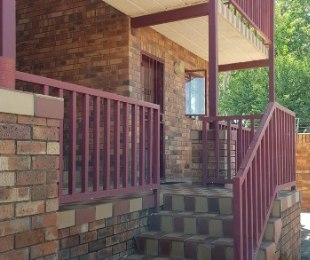 R 570,000 - 2 Bed Flat For Sale in Kanoniers Park