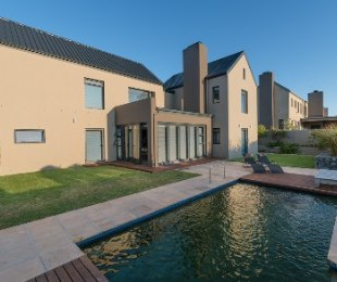 R 8,500,000 - 3 Bed House For Sale in Stellenbosch