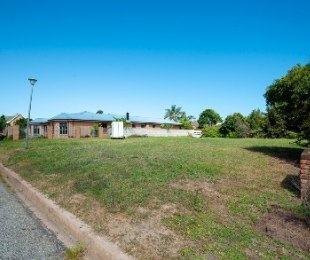 R 795,000 -  Plot For Sale in Rooirivier-Rif