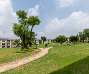 R 925,000 - 2 Bed Flat For Sale in Fourways