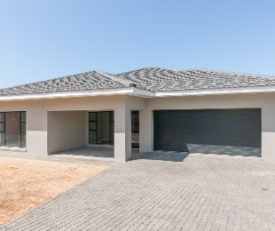 R 3,180,000 - 3 Bed Home For Sale in Hartenbos