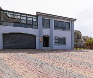 R 3,490,000 - 4 Bed House For Sale in Dana Bay