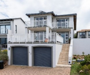 R 3,200,000 - 4 Bed House For Sale in Pinnacle Point Golf Estate