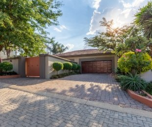 R 3,700,000 - 3 Bed Home For Sale in Ruimsig