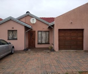 R 780,000 - 2 Bed Home For Sale in Tembisa