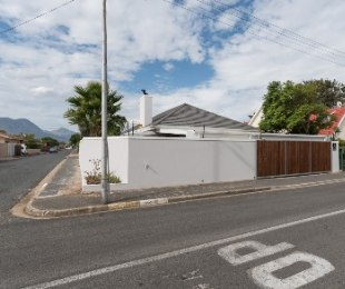 R 2,350,000 - 3 Bed Home For Sale in Strand