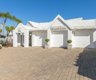 R 15,865,000 - 5 Bed House For Sale in Bayview