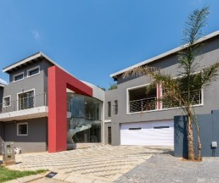 R 4,800,000 - 5 Bed House For Sale in Homes Haven
