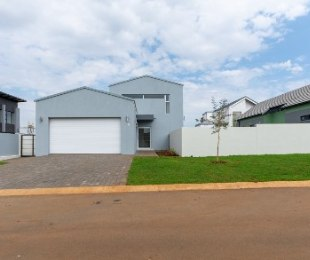 R 2,750,000 - 3 Bed Home For Sale in Midstream Estate