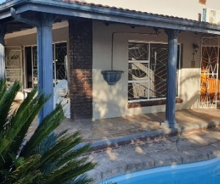 R 7,500 - 3 Bed Property To Rent in Oudtshoorn