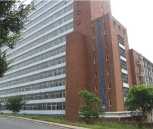 R 494,000 - 1 Bed Apartment For Sale in Ferndale