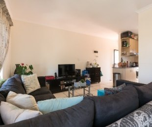 R 1,170,000 - 2 Bed Flat For Sale in Burgundy Estate