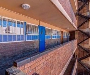R 6,000 - 3 Bed Apartment To Rent in Bellevue
