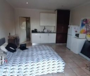 R 4,000 - 1 Bed Apartment To Rent in Bedfordview