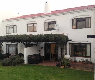 R 1,245,000 - 3 Bed House For Sale in Longdown Estate
