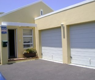 R 12,000 - 3 Bed House To Rent in Sunningdale