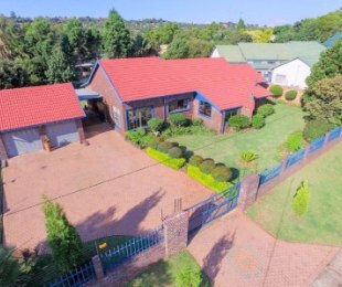 R 1,490,000 - 3 Bed House For Sale in Roodekrans