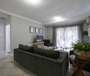 R 18,000 - 3 Bed Apartment To Rent in Stellenbosch Central