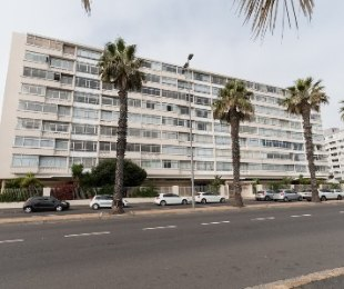 R 8,500 - 1 Bed Flat To Let in Sea Point