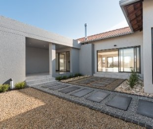 R 3,460,000 - 3 Bed Property For Sale in Langebaan Country Estate