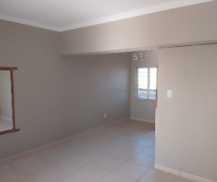 R 595,000 - 1 Bed Property For Sale in North Beach