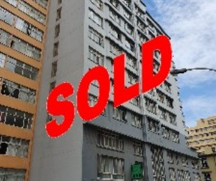 R 375,000 - 1 Bed Flat For Sale in South Beach