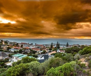R 2,500,000 -  Land For Sale in Kalk Bay