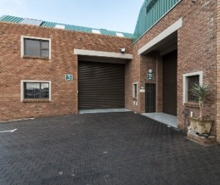R 24,505 -  Commercial Property To Rent in Stikland