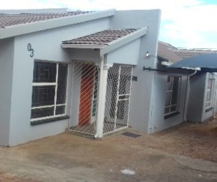 R 900,000 - 3 Bed Property For Sale in Danville