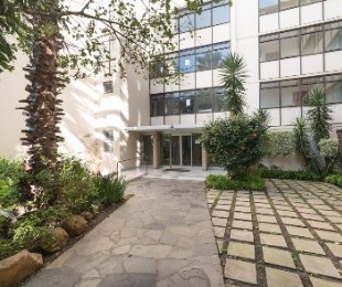 R 4,500,000 - 3 Bed Flat For Sale in Sea Point