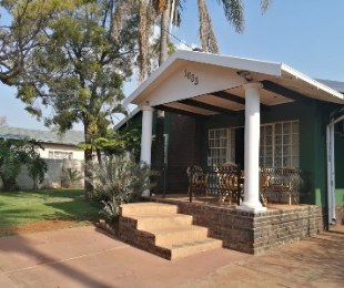 R 1,290,000 - 3 Bed Property For Sale in Claremont