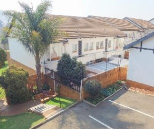 R 2,600,000 - 3 Bed Property For Sale in Bedfordview