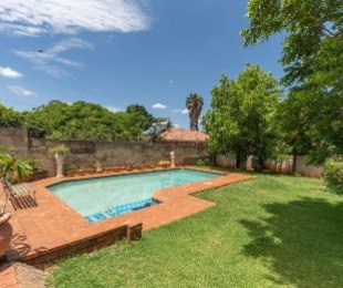 R 1,700,000 - 4 Bed House For Sale in Cyrildene